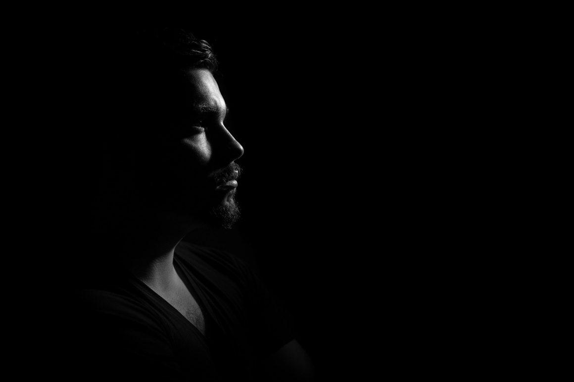 Portrait sombre