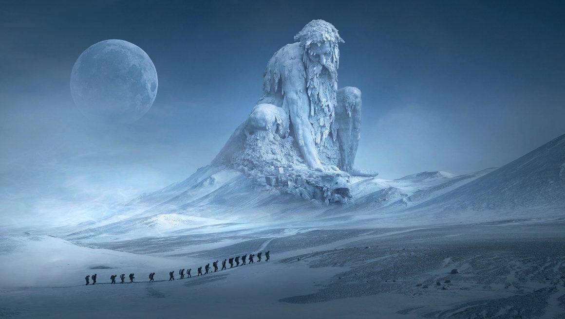 Géant de glace au clair de lune
